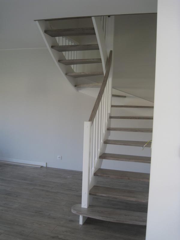 schody-drewniane-0-20.jpg