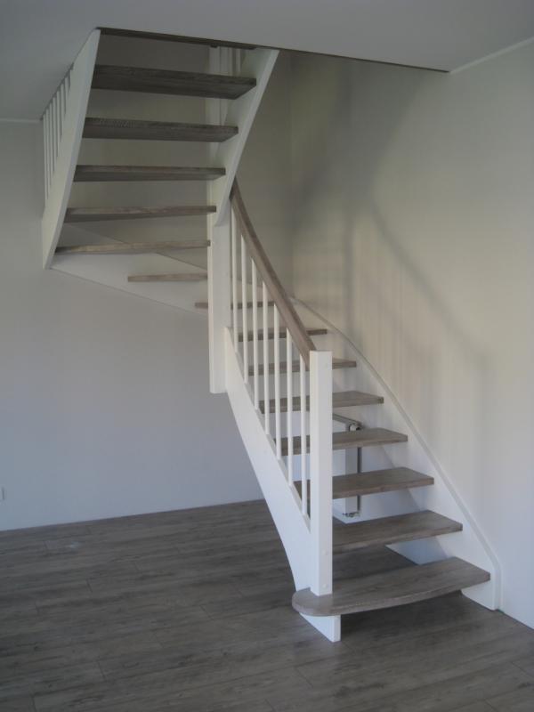 schody-drewniane-0-21.jpg